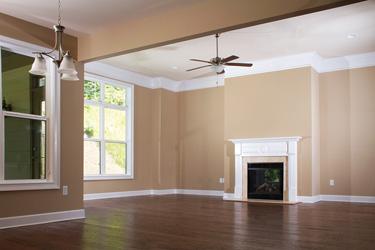 painted-livingroom-walls-trim